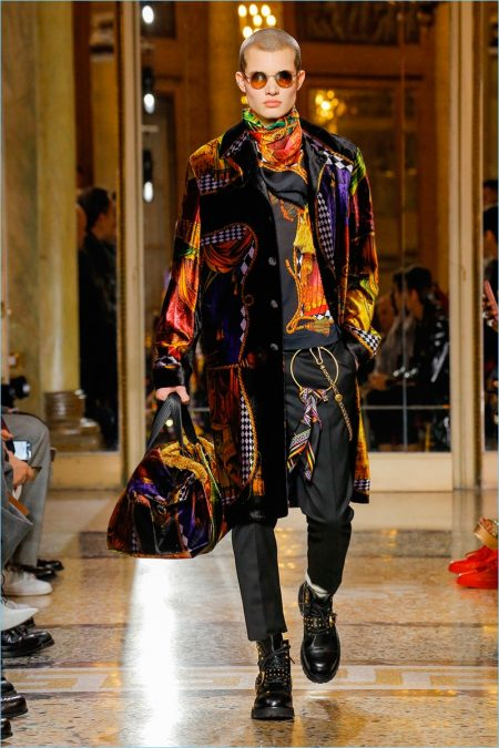Versace Fall 2018 Men S Collection Runway Show The