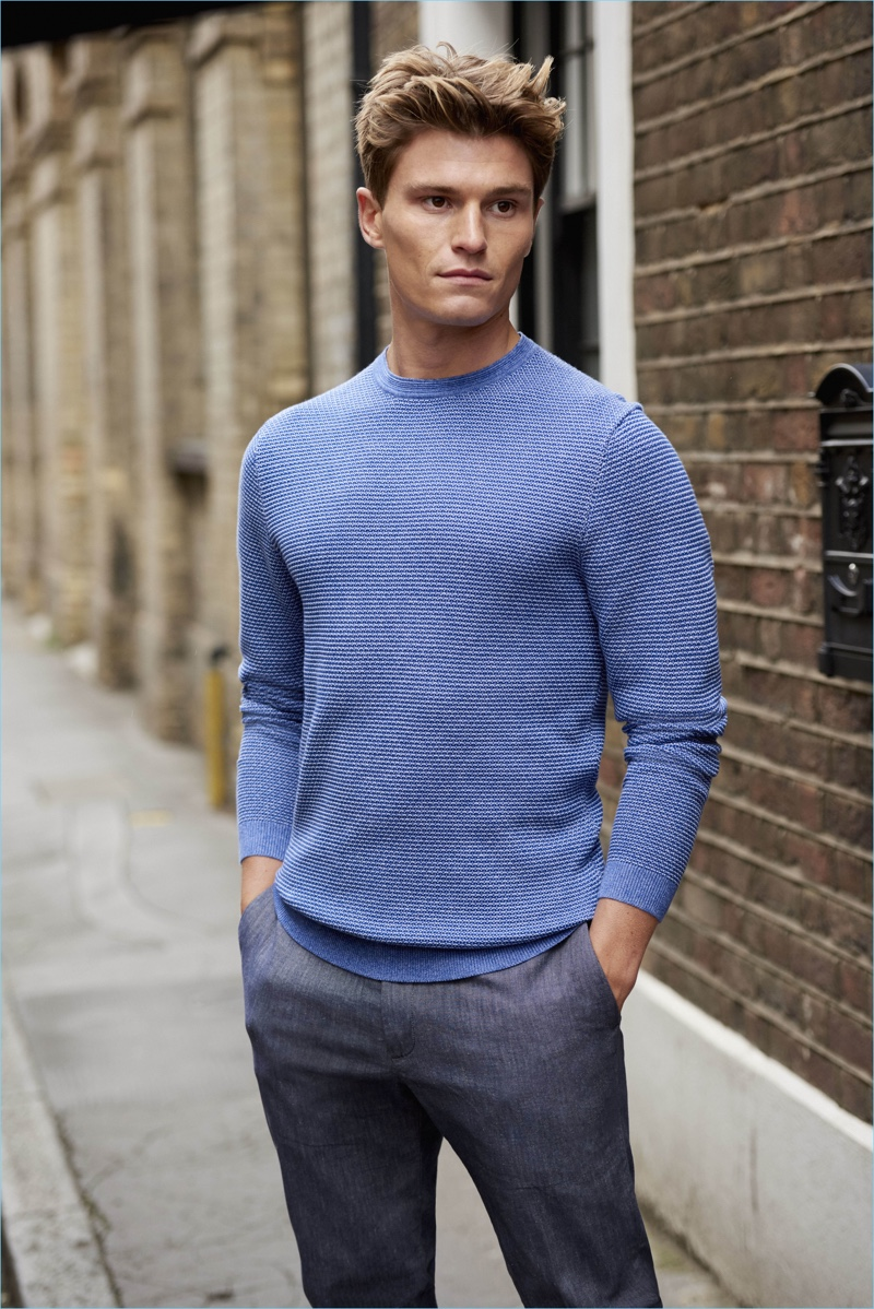 A smart vision, Oliver Cheshire reunites with Marks & Spencer for an Autograph campaign.