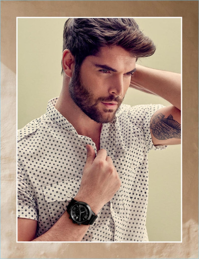 Guess enlists Nick Bateman as the star of its spring-summer 2018 accessories campaign.