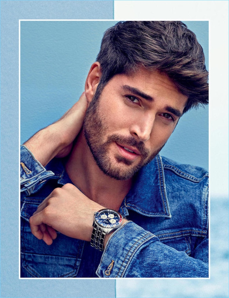 Nick Bateman stars in Guess' spring-summer 2018 accessories campaign.