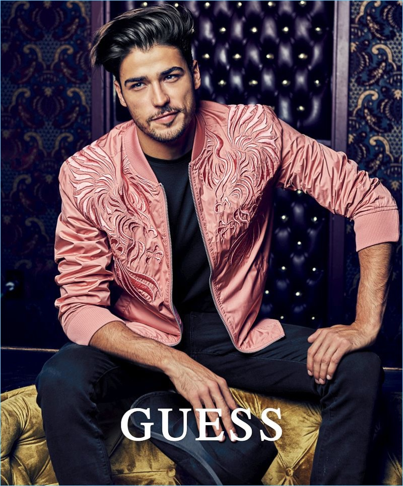 Model Alessandro Dellisola fronts Guess' spring-summer 2018 campaign.