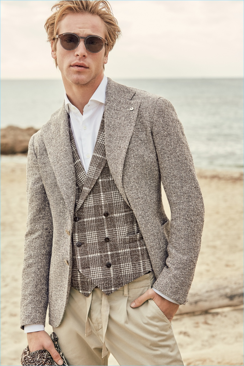 Jules Raynal fronts L.B.M. 1911's spring-summer 2018 outing.