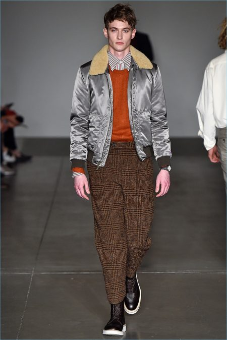 Todd Snyder presents tweed trousers as part of its fall-winter 2018 collection.