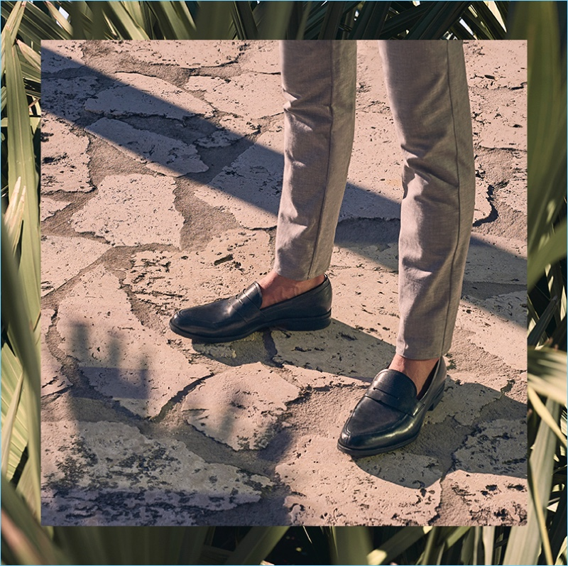 Vince Camuto features leather loafers for its spring-summer 2018 campaign.