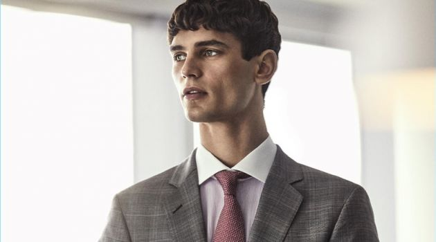 Arthur Gosse Covers Código Único, Dons Sharp Business Looks