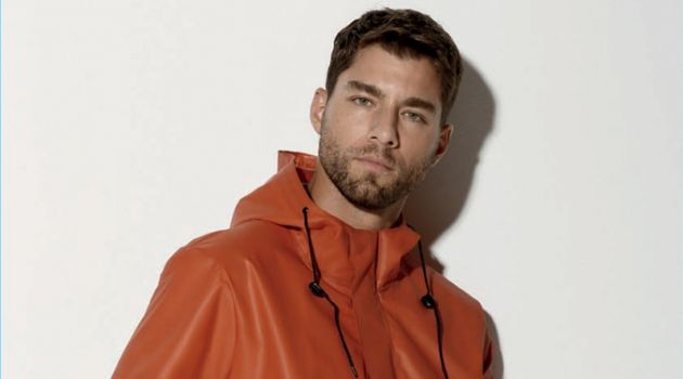 DKNY Goes Sporty Casual for Spring '18 Collection