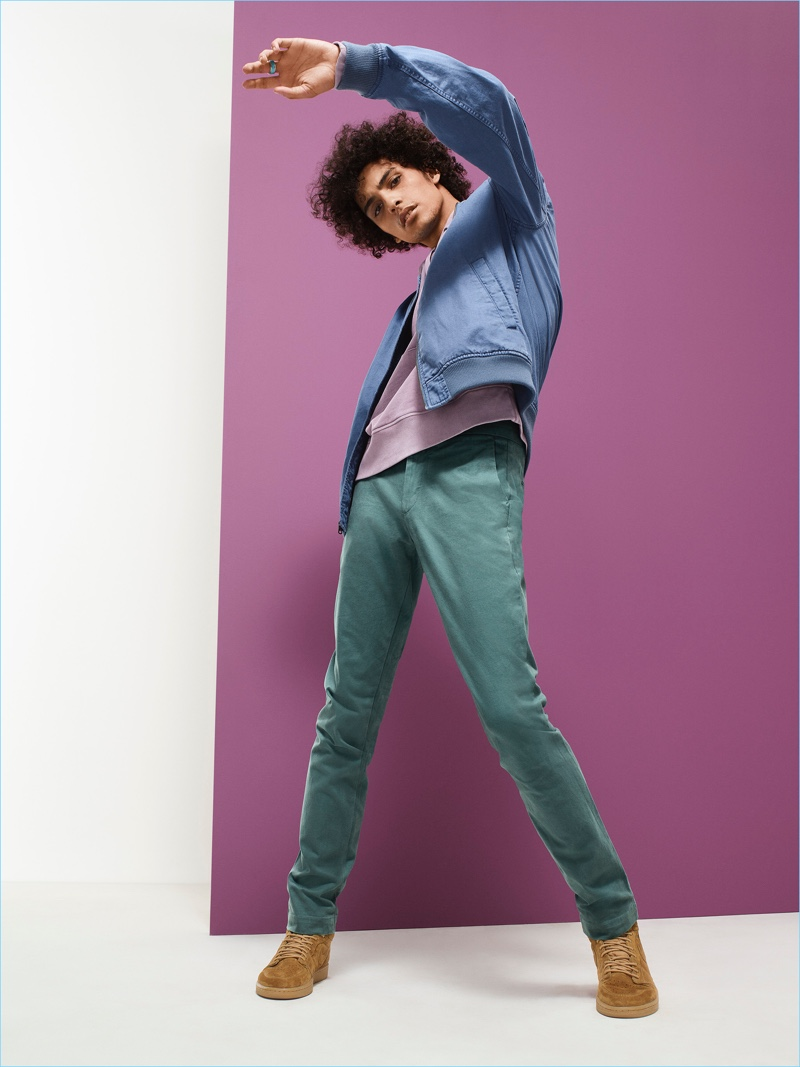 Opting for chinos, Trè Samuels wears Gap's essential style in silver pine.