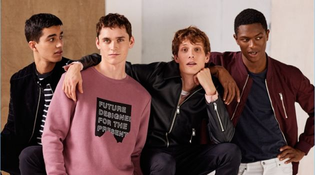 H&M proposes casual style with its new campaign. Embracing spring looks, models Saif K., Anders Hayward, Felix Gesnouin, and Hamid Onifade pose for a picture.