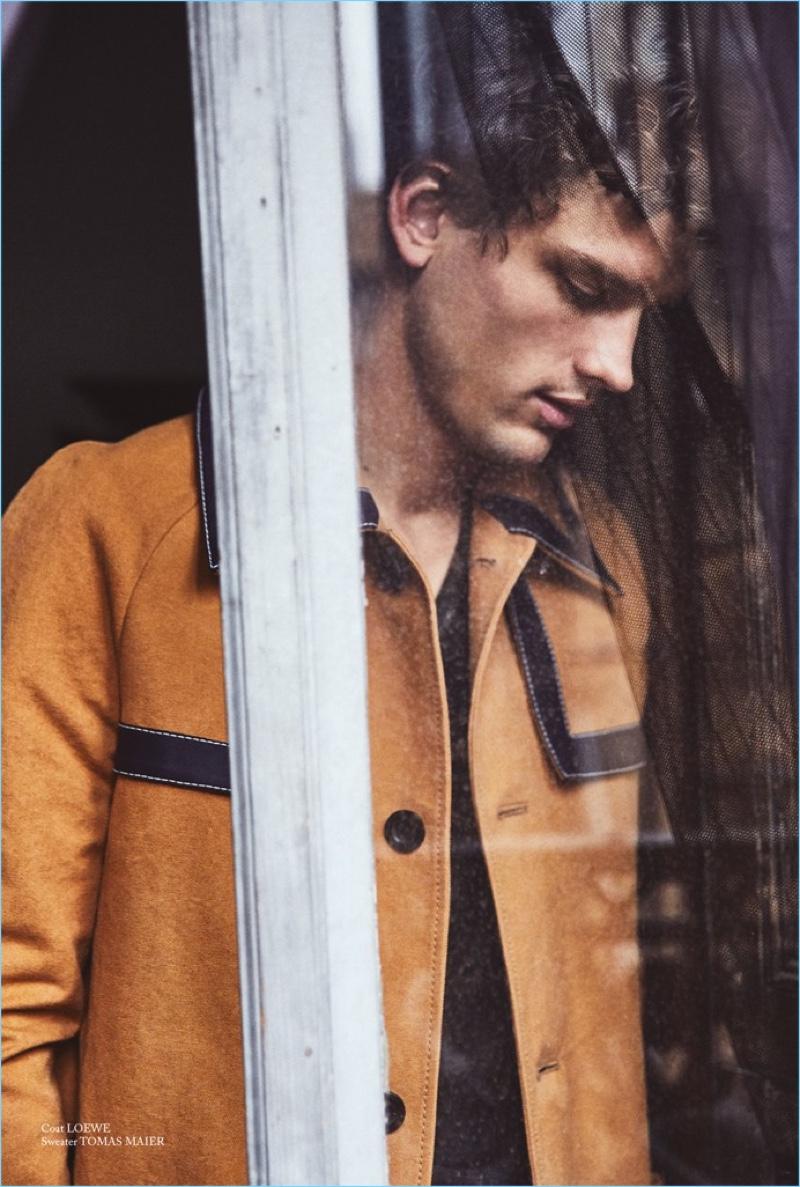 Simon Nessman Models Spring Trends for Glass Men
