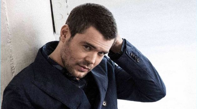 Actor Charlie Weber wears a double-breasted look by Michael Kors.