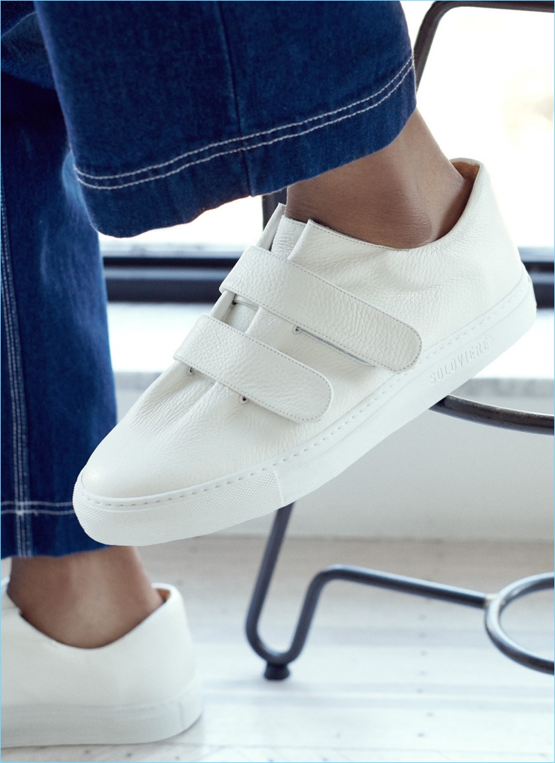 Go minimal with these white sneakers from Soloviere.