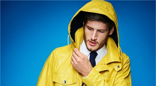 Ryan Tift makes a statement in BOSS' yellow waxed cotton field jacket.