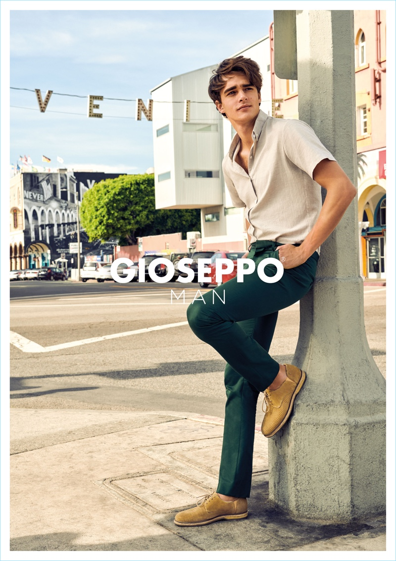 A smart-casual vision, Pepe Barroso fronts Gioseppo Man's spring-summer 2018 campaign.