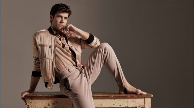 Connecting with Prestige Hong Kong, Roberto Bolle wears a jacket and shirt by Bottega Veneta. He also sports Fendi trousers.