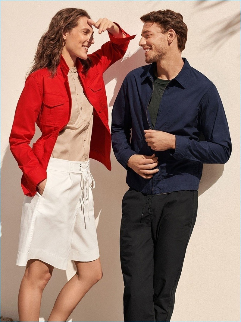 Models Othilia Simon and Mariano Ontañon come together for the Tomas Maier x UNIQLO campaign.