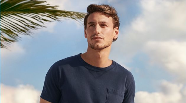 Mariano Ontañon stars in the Tomas Maier for UNIQLO campaign.