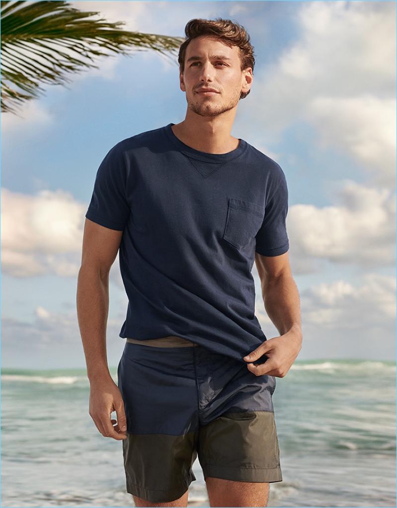 Mariano Ontañon stars in the Tomas Maier for UNIQLO campaign.
