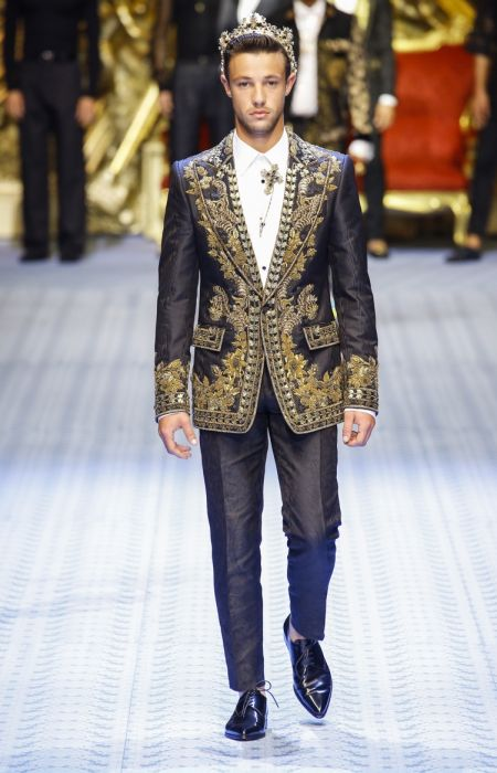 561ee39d72 Dolce & Gabbana | Spring 2019 | Men's Collection | Runway | The ...