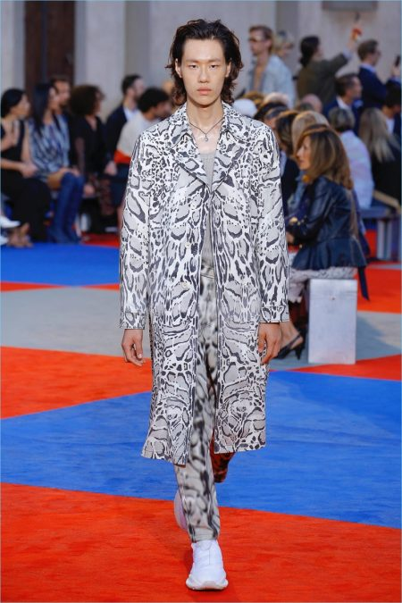 Paul Surridge Brings Fresh Energy to Roberto Cavalli with Spring '19 Collection