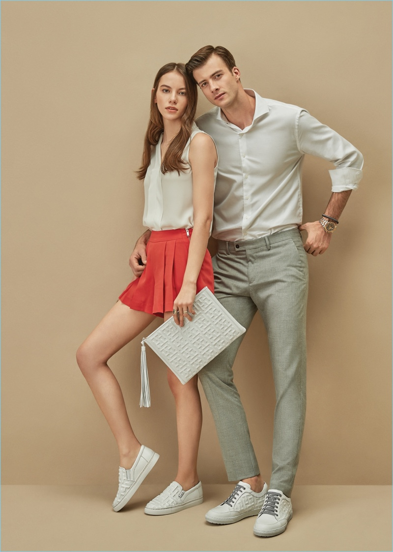 Dressing smart casual, Gilberto Fritsch connects with Tandy for its spring-summer 2018 campaign.