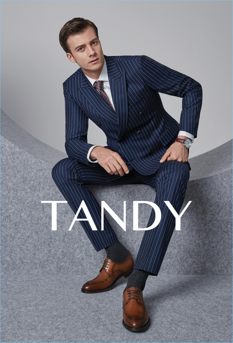 Donning a pinstripe suit, Gilberto Fritsch stars in Tandy's spring-summer 2018 campaign.
