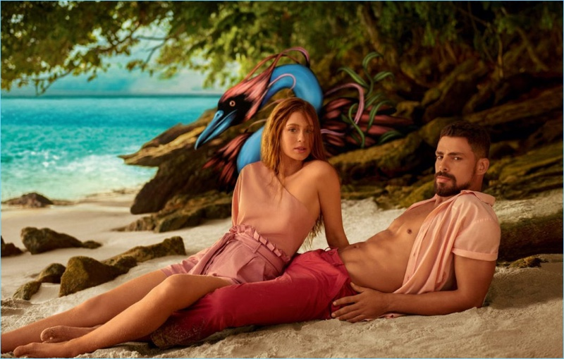 Taking to the beach, Marina Ruy Barbosa and Cauã Reymond star in Colcci's spring-summer 2019 campaign.