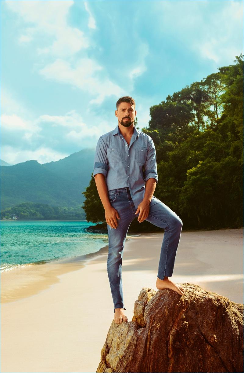 Cauã Reymond stars in Colcci's spring-summer 2019 campaign.
