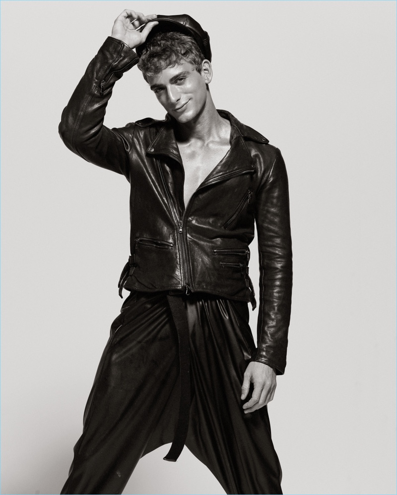 Clad in leather, Eric Fraga poses for the lens of photographer Maurizio Montani.
