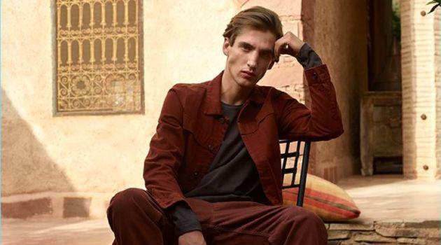 Anatol Modzelewski stars in Gino Rossi's fall-winter 2018 campaign.