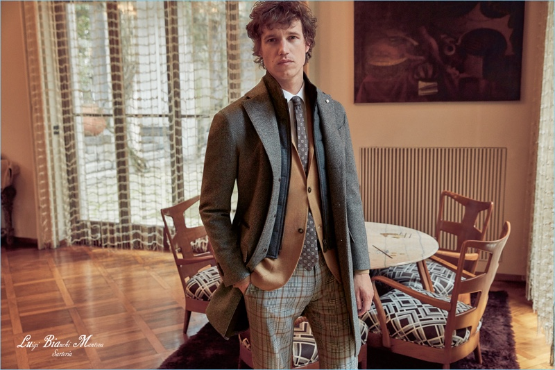 Marçal Taberner wears a dapper look from Luigi Bianchi Mantova's fall-winter 2018 collection.
