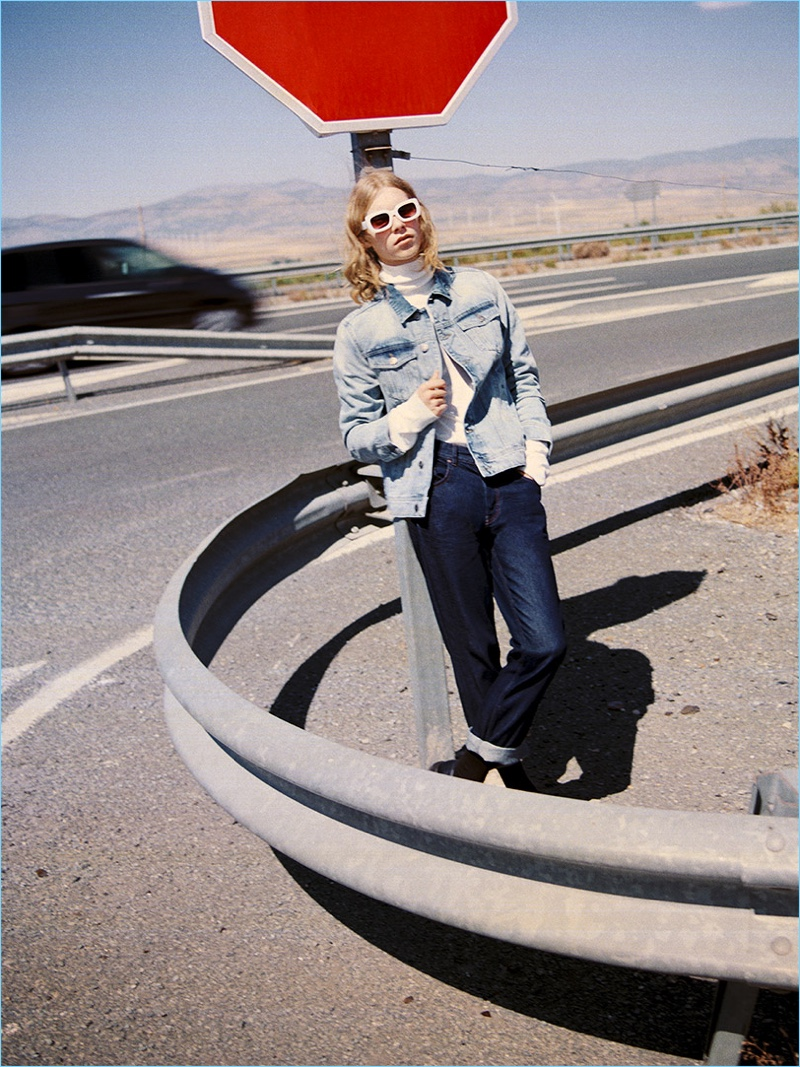 A laid-back vision, Kit Warrington wears denim from Reserved.