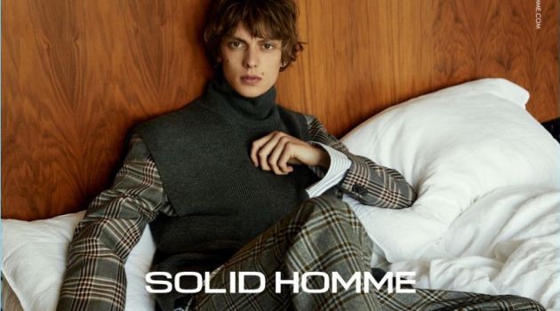 Leon Dame stars in Solid Homme's fall-winter 2018 campaign.