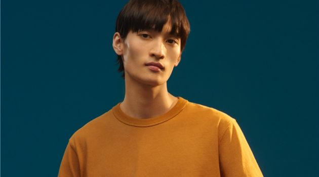 Ye Xiang dons a casual tee from Uniqlo U's fall-winter 2018 collection.
