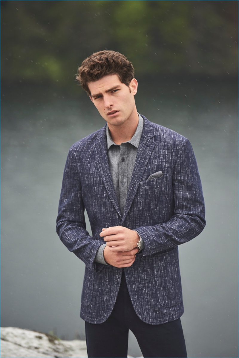 Paolo Anchisi reunites with Vince Camuto for its fall-winter 2018 men's campaign.