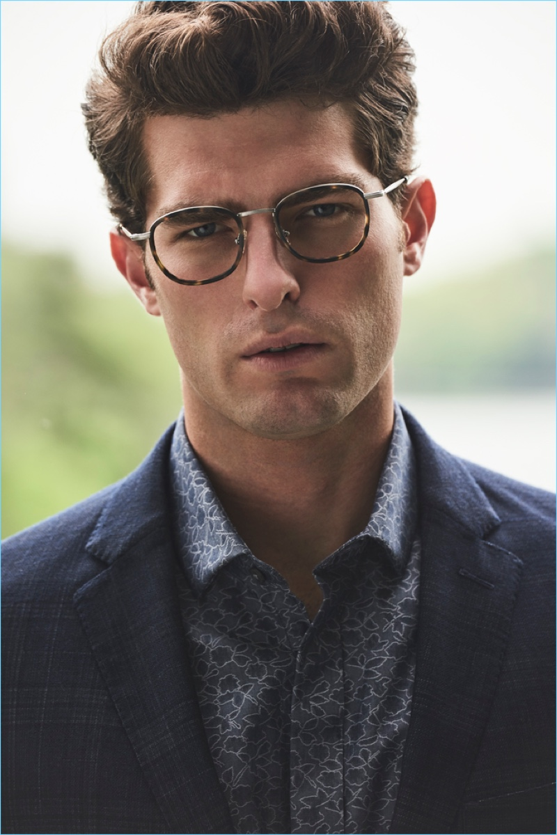 Donning eyewear, Paolo Anchisi fronts Vince Camuto's fall-winter 2018 men's campaign.
