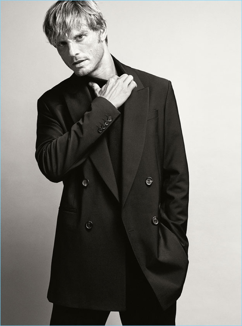 Arnaud Lemaire sports Zara Man's essential double-breasted blazer.
