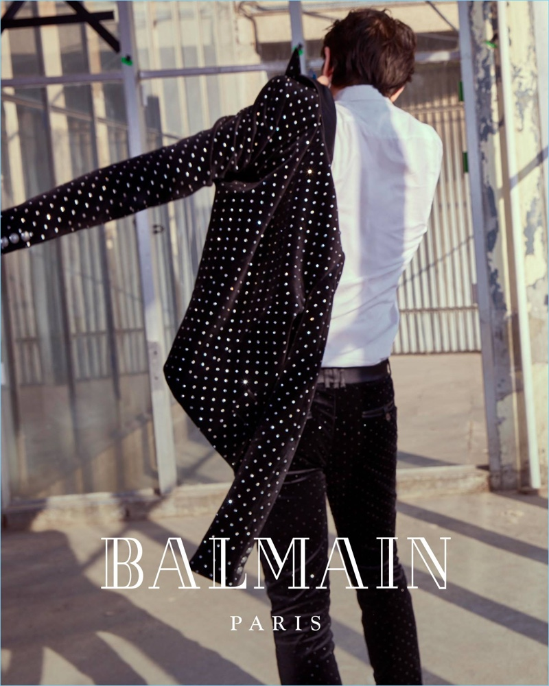 Balmain taps James Bay as one of its stars for its fall-winter 2018 campaign.