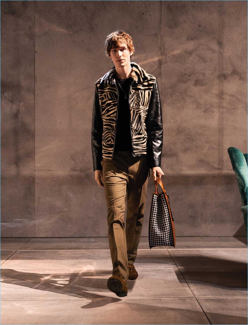 Dylan Fender rocks a look from Bottega Veneta's fall-winter 2018 collection.