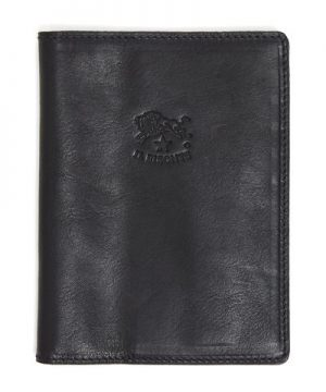 Il Bisonte Cowhide Passport Case in Black
