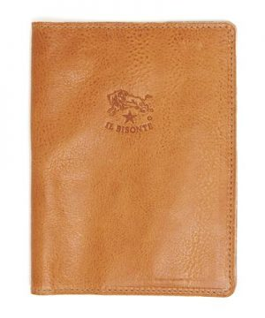 Il Bisonte Cowhide Passport Case in Natural