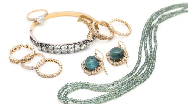 Jewelry Buying Tips For The Special Lady In Your Life