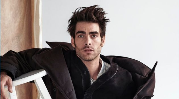 Jon Kortajarena graces the pages of GQ Portugal.