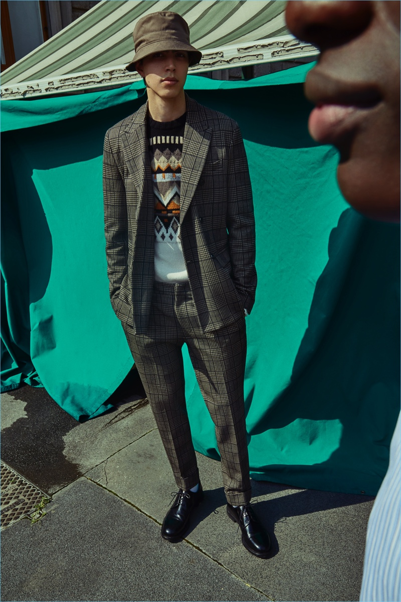 Cohen Pinko appears in Paolo Pecora's fall-winter 2018 campaign.