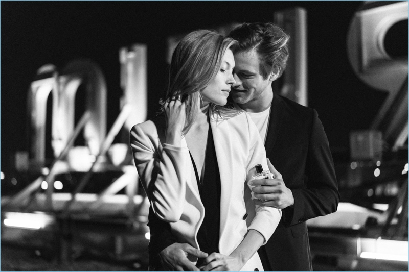 Caroline Lossberg and Jules Raynal come together as the faces of s.Oliver Black Label.