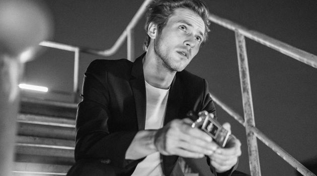 Jules Raynal stars in the fragrance campaign of s.Oliver Black Label.