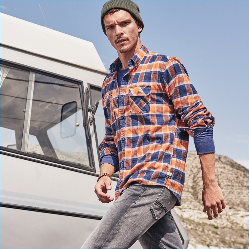 s.Oliver reunites with Alexandre Cunha for its fall-winter 2018 campaign.