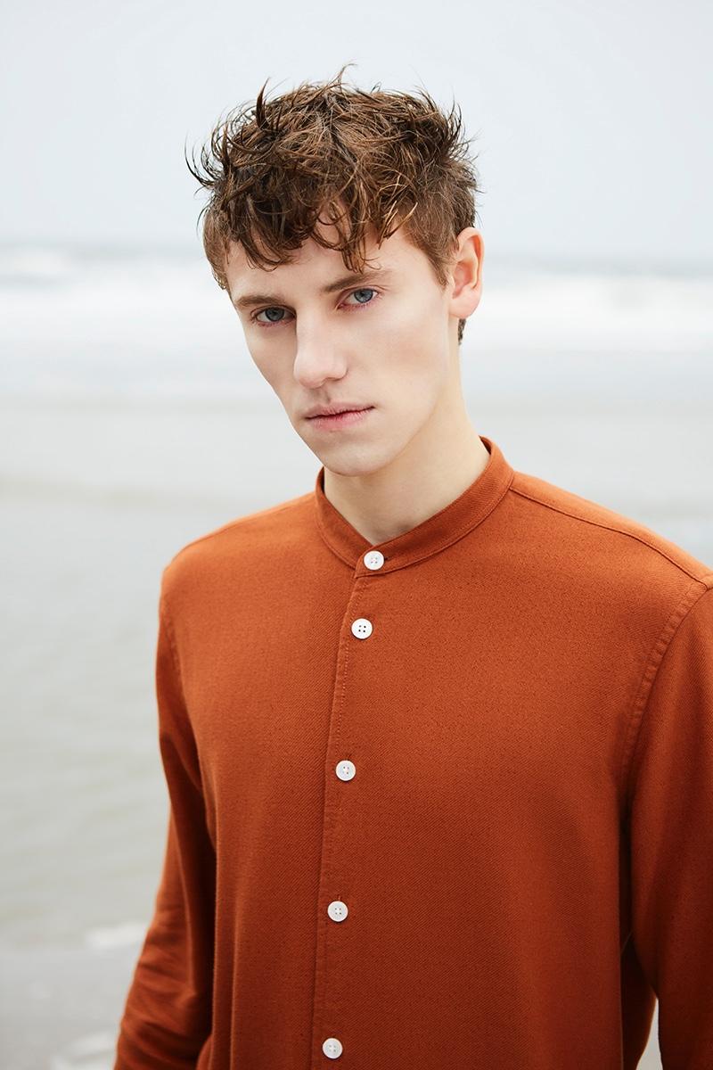 Anton wears shirt Samsøe & Samsøe.