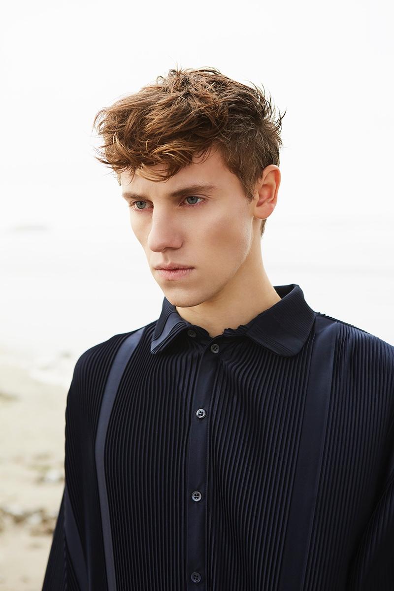 Anton wears shirt Fomme.