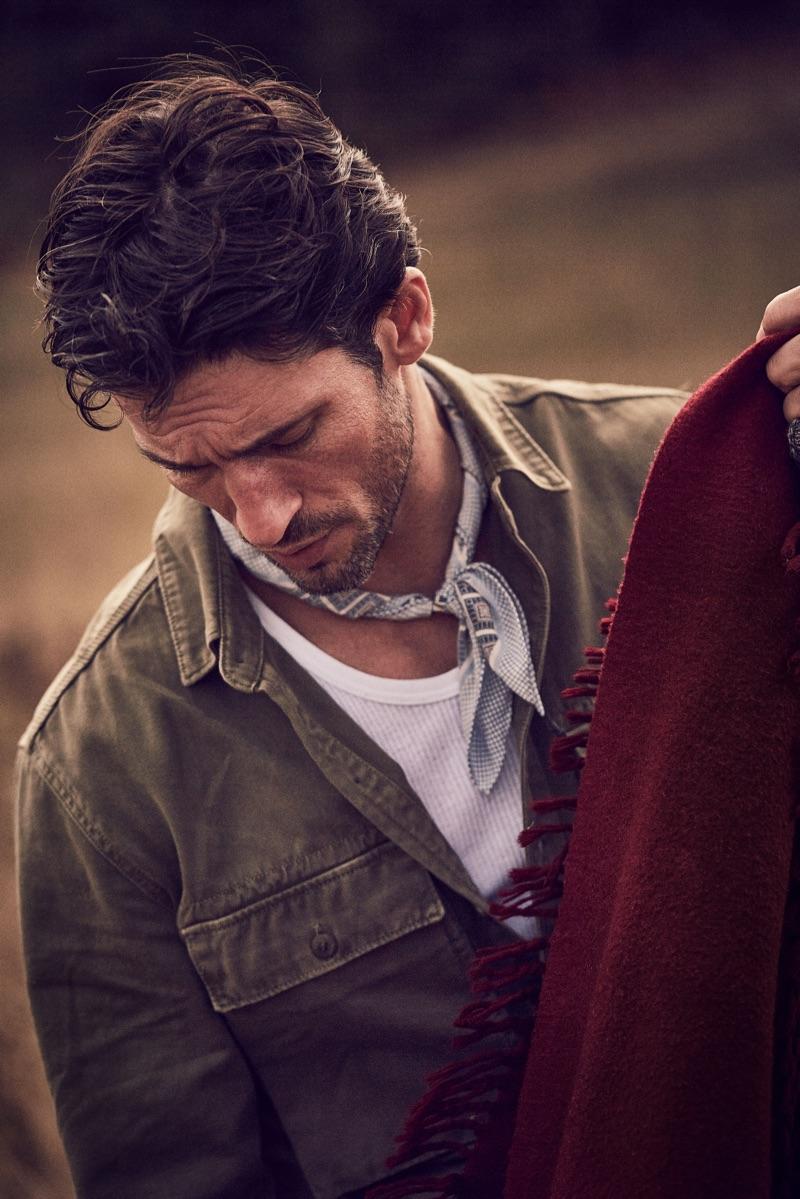 Alban wears shirt Ralph Lauren, vintage scarf and t-shirt.