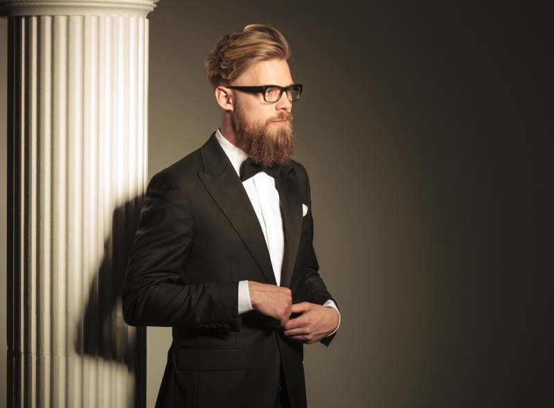 Wear a bow tie for a modern 1920s look. Photo: Deposit Photos